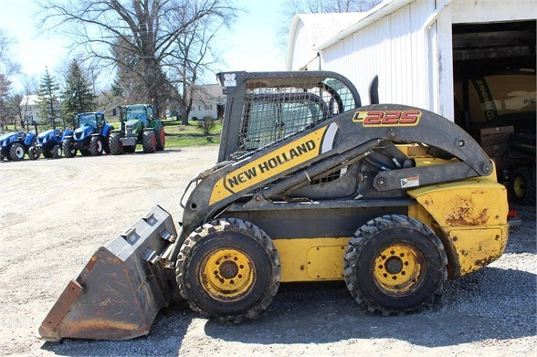 New Holland L225 Skid Steer For Sale