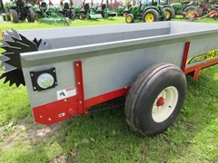 Manure Spreader-Dry/Pull Type For Sale 2016 H & S S2112