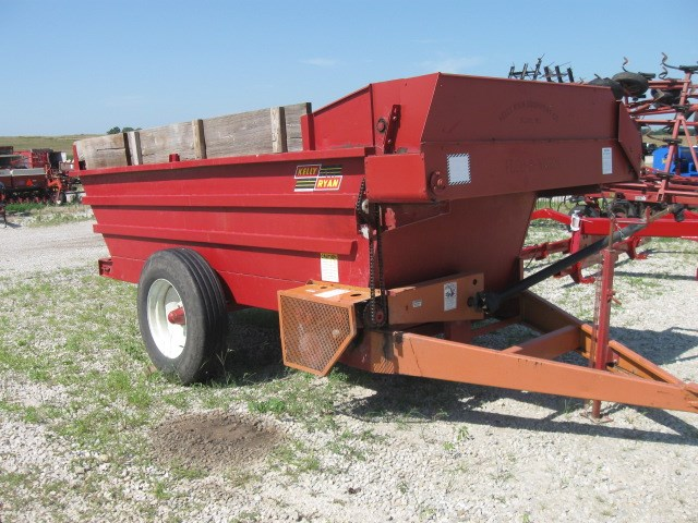 Kelly Ryan 5x12 Stage Coach Feeder Wagon-Portable For Sale