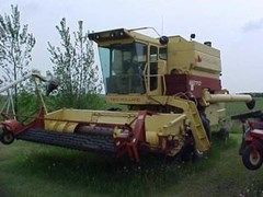 Combine For Sale 1979 New Holland TR70