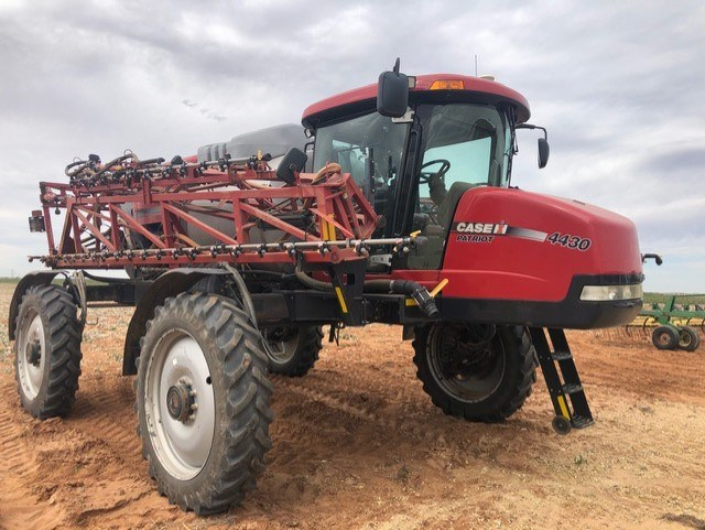 Case IH 4430 Sprayer-Self Propelled For Sale