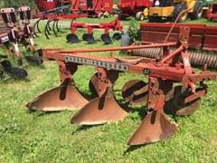Plow-Moldboard For Sale Massey Ferguson 82