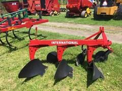 Plow-Moldboard For Sale IH 420