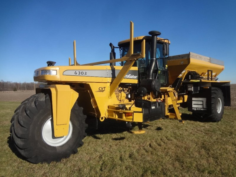 2011 Terra-Gator 6303 Floater/High Clearance Spreader For Sale