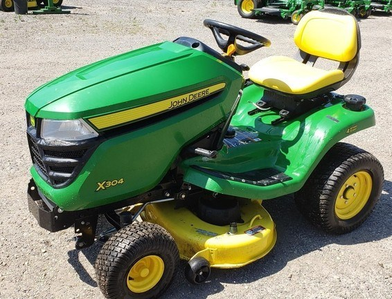 2015 John Deere X304 Riding Mower For Sale