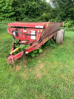 Manure Spreader-Dry/Pull Type For Sale Meyer SV3954