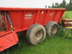 Manure Spreader-Dry/Pull Type For Sale 2015 Kuhn Knight 8118