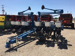 Planter For Sale 2010 Kinze 3200
