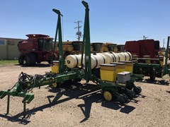 Planter For Sale John Deere 7200