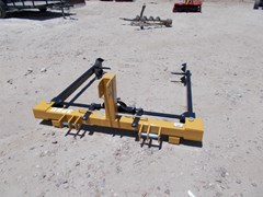 Bale Squeeze Attachment For Sale:  Dirt Dog New Dirt Dog 3pt Bale unroller