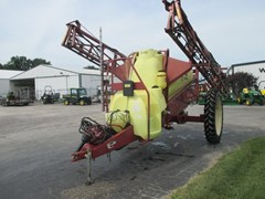Sprayer-Pull Type For Sale 2005 Hardi np1100
