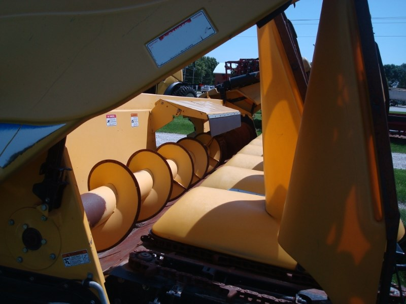 2010 New Holland 99C Header-Corn For Sale