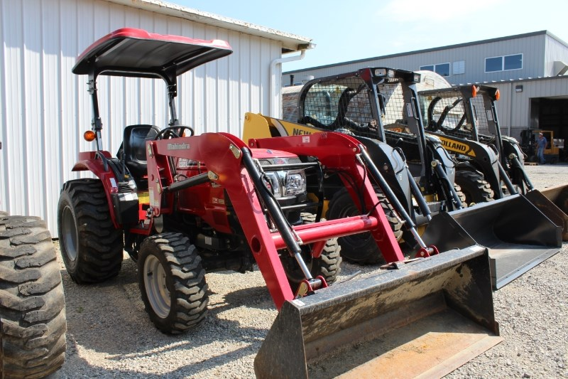 2013 Mahindra 3016 Tractor - Compact For Sale