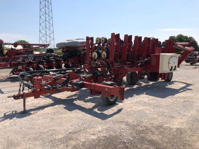 Case IH 900 16RN Planter For Sale
