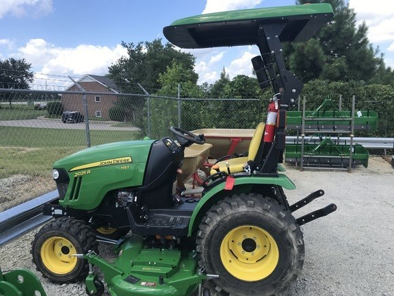 2015 John Deere 2025R Tractor - Compact Utility For Sale