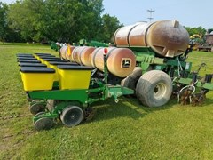 Planter For Sale 1997 John Deere 7200