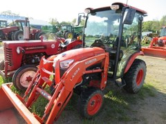 Tractor - Compact Utility For Sale 2005 Kubota B2650 , 26 HP