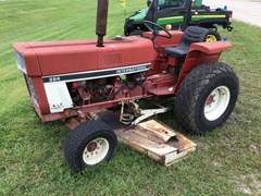 Tractor For Sale 1981 IH 284 , 30 HP