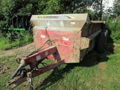 Manure Spreader-Dry/Pull Type For Sale 2013 H & S 370