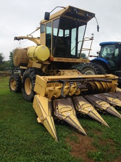 Forage Harvester-Self Propelled For Sale New Holland 2115