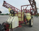 Sprayer-Pull Type For Sale2004 Hardi NM550