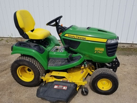2015 John Deere X750 Riding Mower For Sale