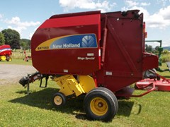 Baler-Round For Sale 2011 New Holland BR7060