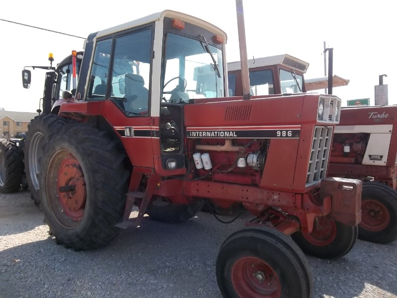 1981 International 986 Tractor For Sale