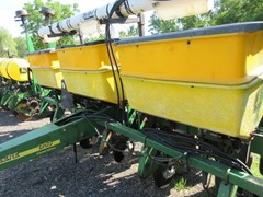 Planter For Sale 2001 John Deere 1750