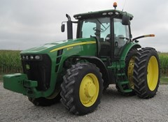 Tractor For Sale 2010 John Deere 8270R , 270 HP