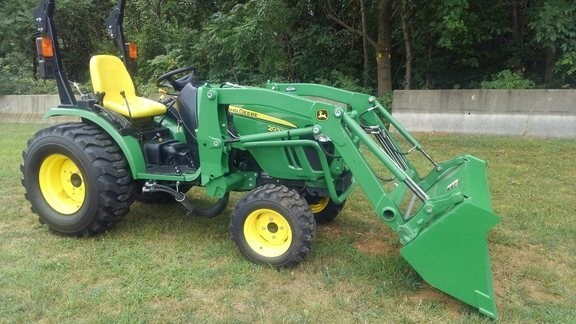 2016 John Deere 2032R Tractor - Compact Utility For Sale