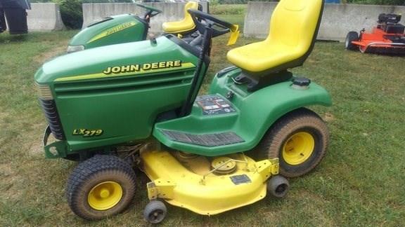 1999 John Deere LX279 Riding Mower For Sale