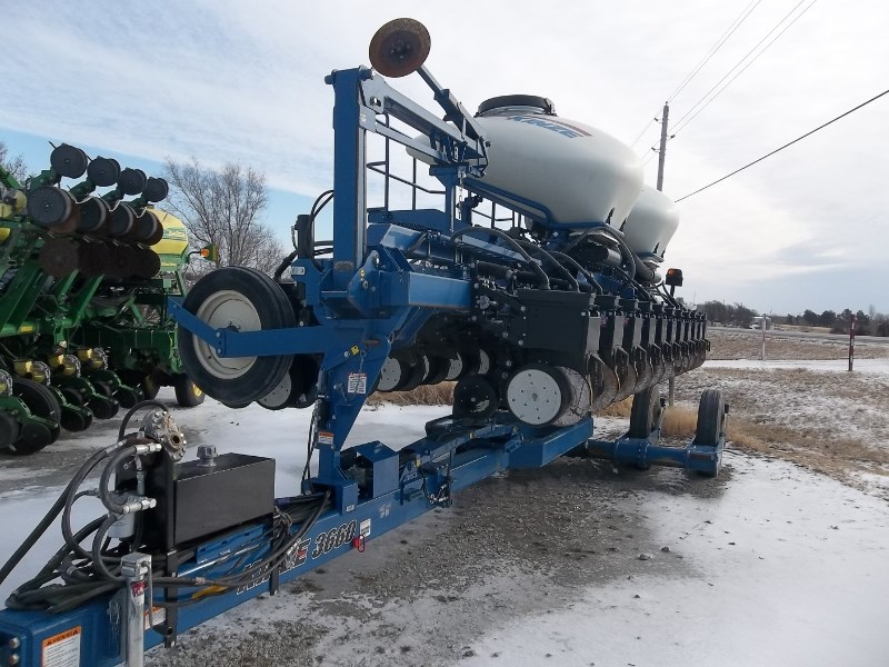 2010 Kinze 3660-12/23RN Planter For Sale
