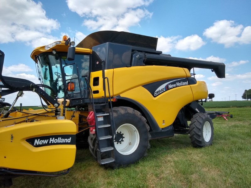 2005 New Holland CR940 Combine For Sale