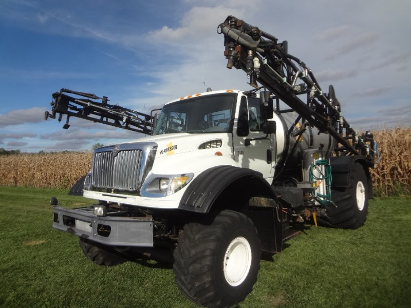 2003 Agressor 7600 Floater/High Clearance Spreader For Sale