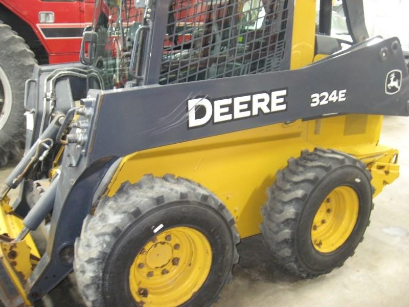 2016 John Deere 324E Skid Steer For Sale
