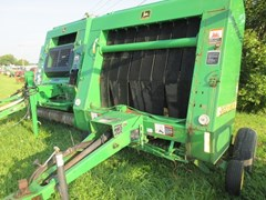 Baler-Round For Sale 2000 John Deere 556