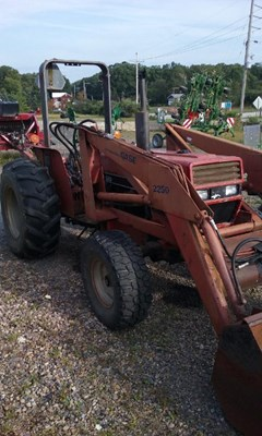 Tractor For Sale International 585 , 52 HP