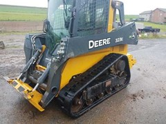 Skid Steer-Track For Sale 2017 John Deere 323E