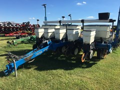 Planter For Sale 2004 Kinze 3000