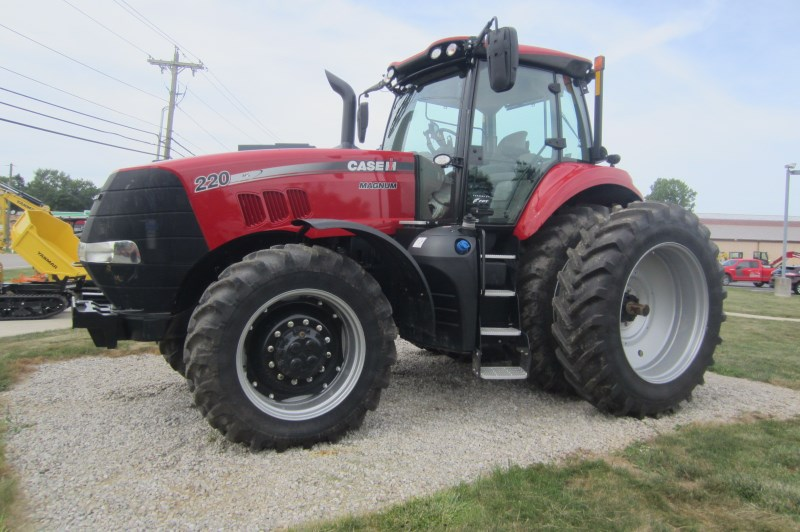 2018 Case IH Magnum 220 Tractor For Sale