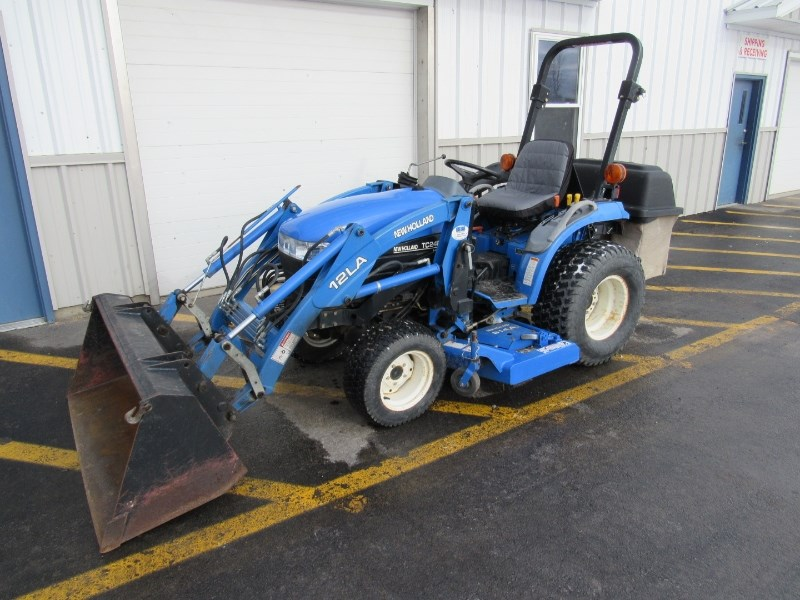2002 New Holland TC24D Tractor For Sale