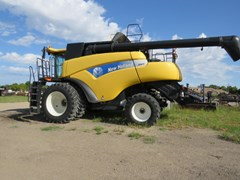 Combine For Sale 2008 New Holland CR9070