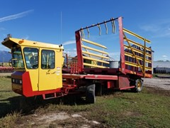 Bale Wagon-Self Propelled For Sale 1999 New Holland 1089