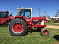 Tractor For Sale 1979 IH 1086D , 130 HP