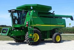 Combine For Sale 2007 John Deere 9560 STS