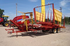 Bale Wagon-Pull Type For Sale 2007 New Holland 1037
