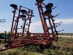 Field Cultivator For Sale: 1998 Sunflower 2432