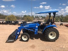 Tractor For Sale:  2002 New Holland TC33 4WD