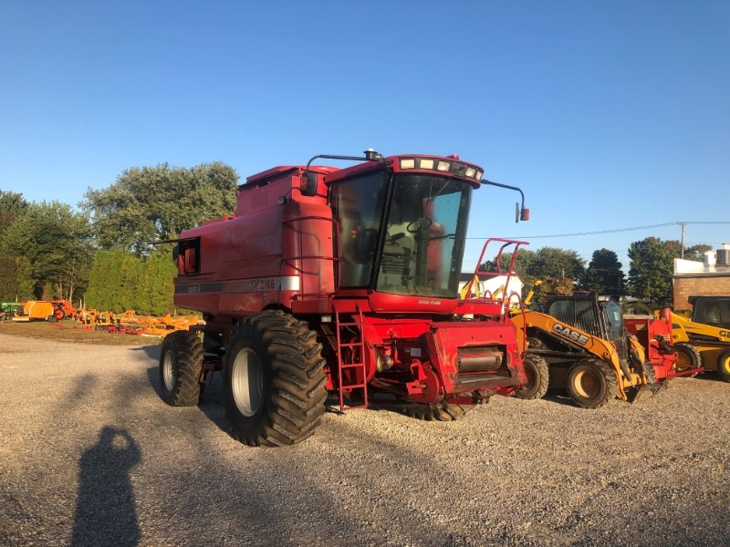1997 Case IH 2166 Combine For Sale